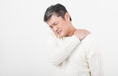 つらい四十肩・五十肩の原因と治し方