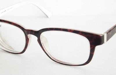 目が疲れるのはメガネのせい? 合わないメガネが与える影響