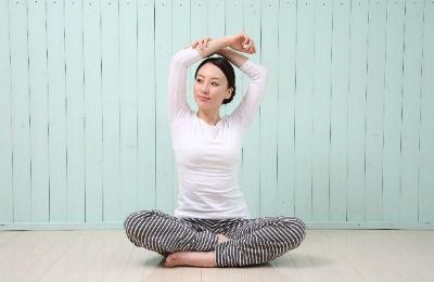 肩こりが原因で起こる頭痛をストレッチで解消しよう