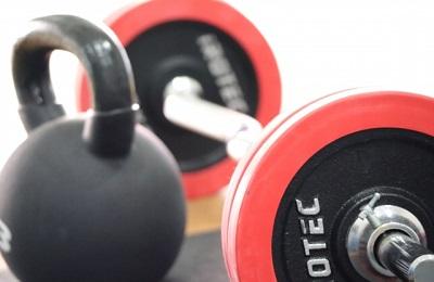腰痛改善を目指すなら腹筋・背筋を鍛えた方が良いって本当?