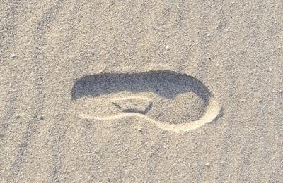 靴底の減り方で分かる! 間違った歩き方とカラダの歪み