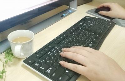 マウス キーボード? パソコン使用時に起こる手のしびれの原因は?