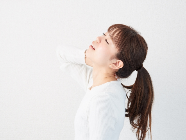 右首が痛い! 左首が痛い! 首の片側だけの痛みを和らげる方法
