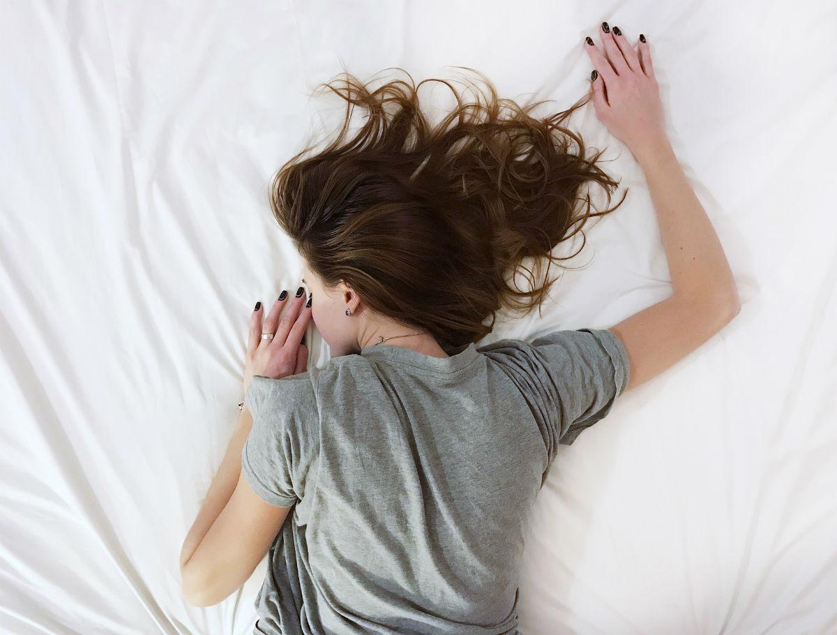 ただ眠るだけじゃダメ? 疲れを取るための正しい寝方
