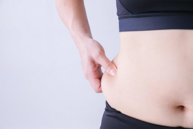 ぽっこりお腹の原因は姿勢にあり? その理由と改善方法