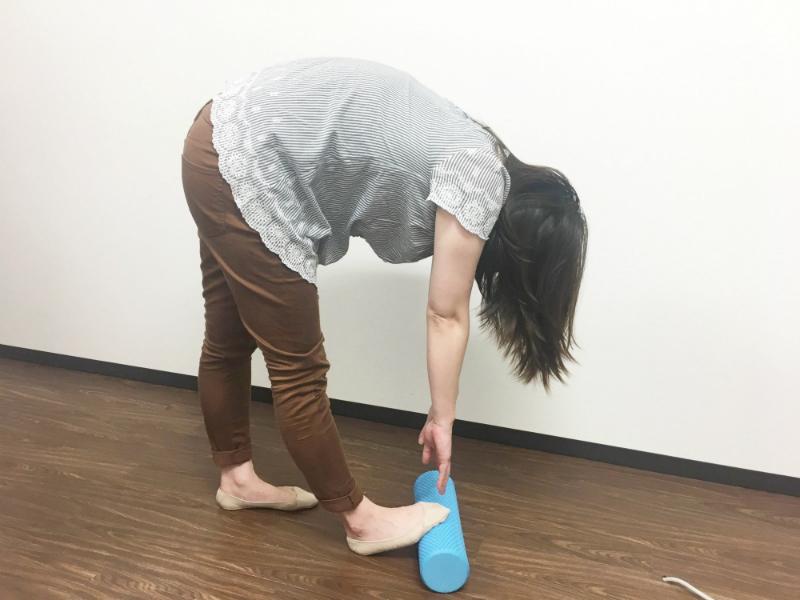 筋膜リリース-つま先を上げて前傾-アキレス腱-ストレッチ