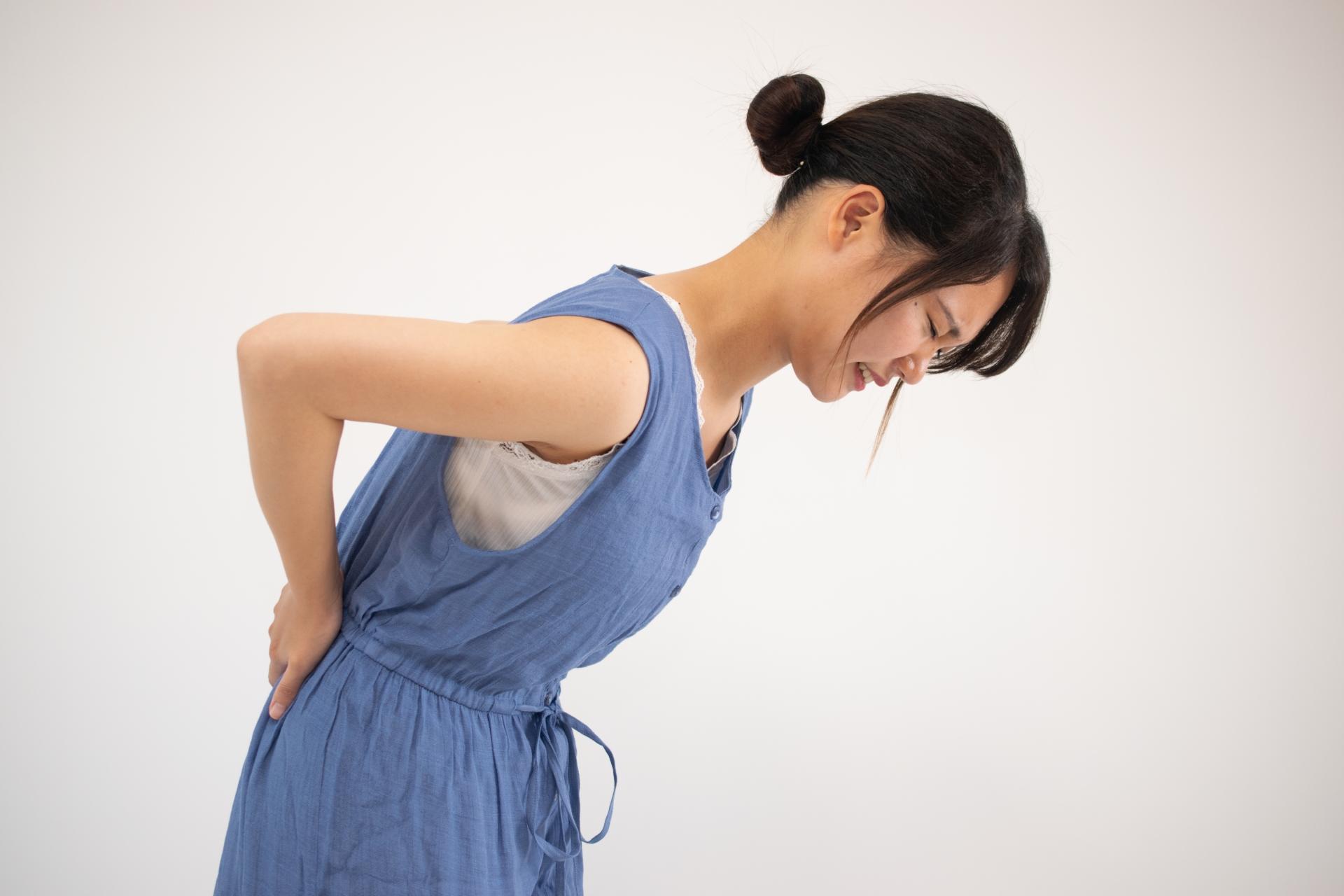 ストレスが慢性的な腰痛の原因になる? 対処法はあるの?