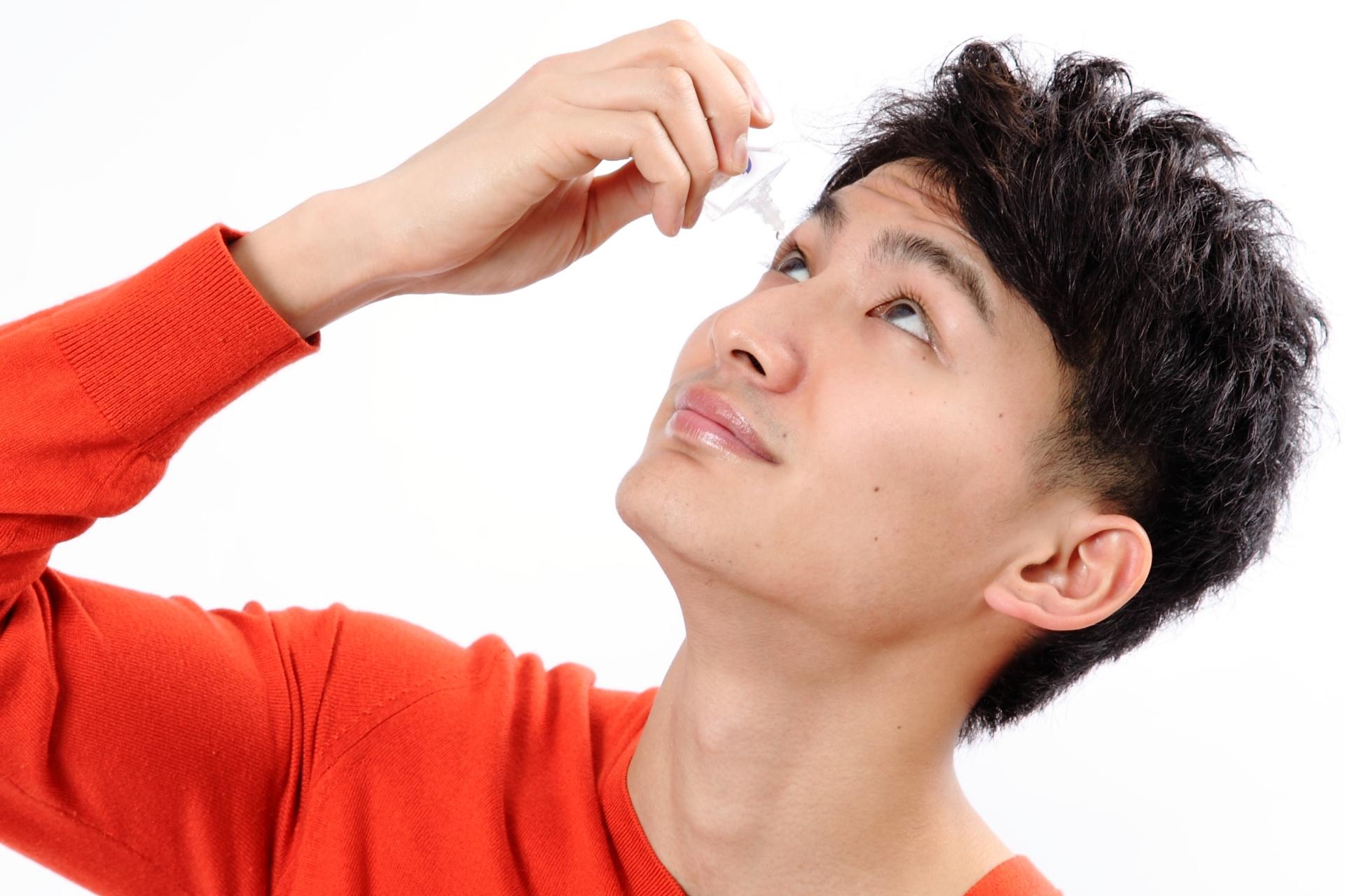 乾燥に注意! 疲れ目のセルフケア方法